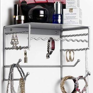 Jewelry - Wall mount jewelry organizer